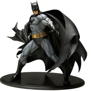 DC Comics Batman ArtFX 1/6 Scale Statue (Black Costume Version)