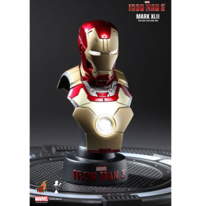 Hot Toys: Iron Man 3 Collectible Bust Series Mark 42 1/6 Scale Bust